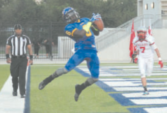 Channelview Falcons wide receiver Etterious Giles makes a leaping touchdown catch on a 20-yard pass from quarterback Jalen Hurts in their 56-15 win over South Houston. Giles was the leading receiver in a Falcon offense that piled up 529 yards. The Falcons host Vidor on Friday at 7 p.m. at Ray Maddry Memorial Stadium. (Photo by Mark Kramer, Channelview ISD)