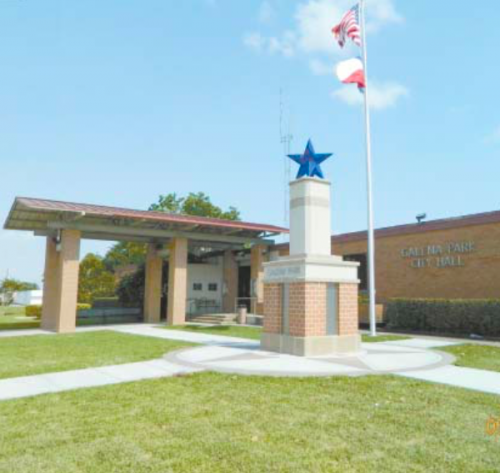 THE NEW GATEWAY MONUMENT is part of the Project Stars of the San Jacinto Historical District. Each of the 10 cities in the area served by EconomicAlliance Houston Port Region received money to build these monuments. Galena Park is number 9 in the series. The first Gateway was erected in La Porte in 2008. Although each design is different, responding to its setting, each has a Blue Star that lights at night. Project Stars is also responsible for the Historical Murals painted on the oil storage tanks along Highway 225 and Independence Parkway in Deer Park.